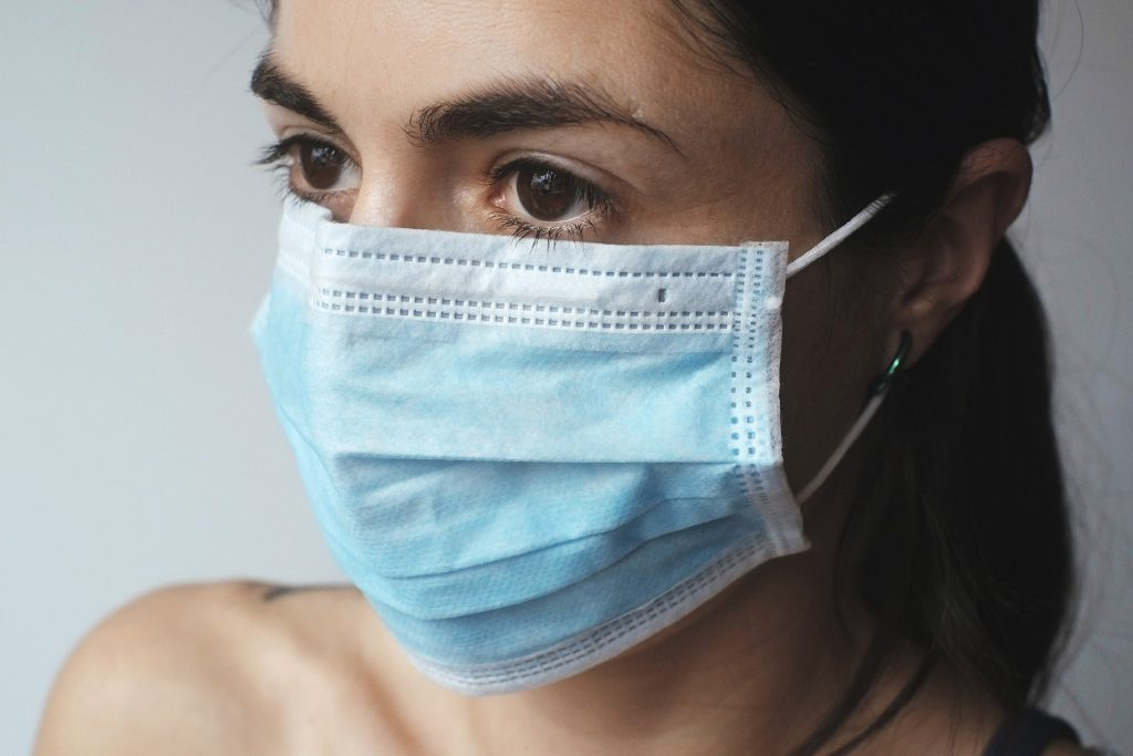 wear a mask to protect against coronavirus